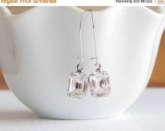SALE Gift Clear earrings Crystal earrings Emerald cut earrings Vintage earrings Bridesmaid earrings Bridal earrings Clear dangle earrings Gi
