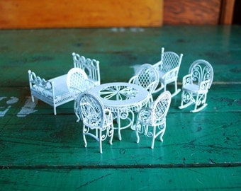 White Wire Filigree Dollhouse Furniture, Vintage set of 8 Pieces White Wicker Doll Furniture