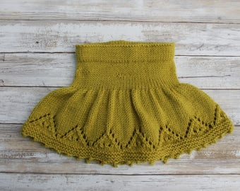 Hand Knit Merino Wool Baby Skirt. Lace Baby Skirt. Light Green Baby Girl Skirt. 9-12 months.