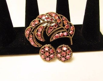 Vintage Goldtone Weiss Pink Rhinestone Brooch & Clip On Earring Set - Weiss Pink Rhinestone Floral Pin Demi Parure - Weiss Costume Jewelry