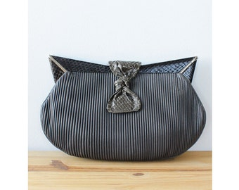 Gray Leather Clutch • Vintage Clutch • 80s Purse • Avant Garde Leather Clutch Purse • Snakeskin Leather Clutch Bag  | B606