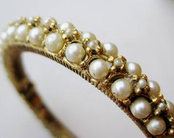 Vintage 50s 60s Designer HOBE Gold Faux Pearl Clamper Bangle Bracelet