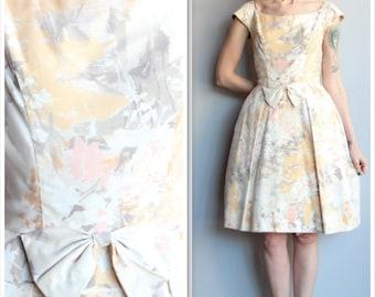 1960s Dress // Peaches & Cream Floral Dress // vintage 60s dress