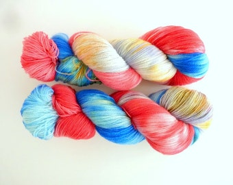 "Hand dyed BFL lace yarn - SW Bluefaced Leicester wool, Tea Time base - Colourway ""Chicles"""