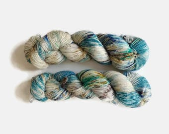 "Merino single ply speckled hand dyed yarn - 100% superwash merino, The Special One base - Colourway ""Les retrouvailles"""