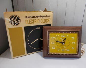 Mid Century General Electric Wall Clock