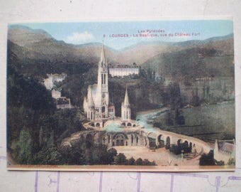 Lourdes - La Basilique - Early 1900s - Antique French Postcard - vue du Chateau Fort - Les Pyrenees