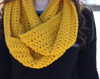 Yellow Scarf; Yellow chunky Scarf; Soft scarf; warm scarf; hand crochet scarf; infinity scarf; yellow knit scarf; yellow accessories; yellow