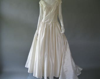 80s wedding dress etsy 80s wedding dress vintage 1980s bridal gown ivory beaded ball gown chapel train junglespirit Image collections