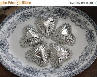 SHOP SALE Set of 5 Vintage Heart Tart Tins