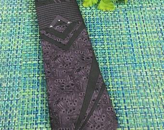 Vintage Mens Bugle Boy Purple & Black Geometric Skinny Necktie - vintage necktie, Bugle Boy necktie, skinny mens necktie, 1970s necktie