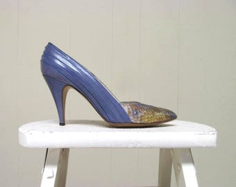 Vintage 1970s Shoes / 70s Norman Kaplan Periwinkle Leather Ombre Snakeskin Stiletto Heel Pumps / Size 7 US