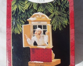 1997 Hallmark 'Away to the Window'  Membership Ornament