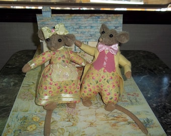 Cherry Lemonade colors in Mouse Doll couple