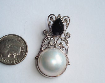SALE ~ Mabe Pearl & Onyx Pendant ~ DESTASH ~
