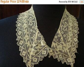 2016 SALE 1920's Antique Off White Filet Crocheted Lace Collar Bridal Accessories Romantic Lace Blouse Top