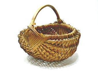 Antique Oak Splint Egg Gathering Melon Buttocks Basket - Primitive Rustic Farm Decor with Gods Eye Medallion