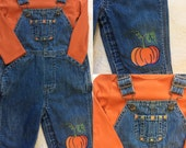 Pumpkin overalls with orange bodysuit, perfect for a baby trick or treating. Fall baby clothing, autumn baby outfit, fun baby halloween
