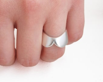 Simple Collar - sterling silver ring