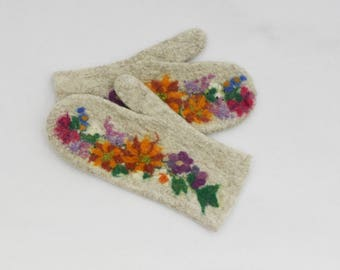 Felted Mittens Sand Flowers