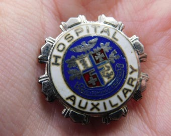 Rare Vintage Enameled Hospital Auxiliary Pin Badge    DR27