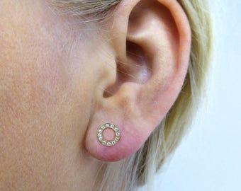 14K gold circle earrings. Elegant gold circle stud earrings. Gold post earrings. Gold earrings. gold round crystal studs. gold studs