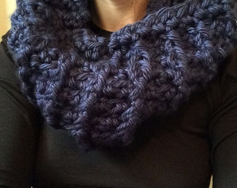 Navy Cowl Scarf / Infinity Scarf / Chunky Scarf / Ribbed Scarf / Detailed Scarf