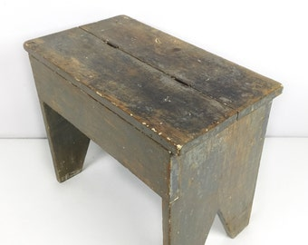 Rustic wooden footstool / vintage farmhouse stool / wooden shoe shine stool box / Primitive footstool distressed paint