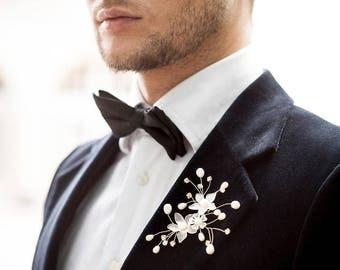 Groom jewelry. Groom pearls boutonniere. Groom lapel pin. groom buttonhole. Groom boutonniere. Handmade groom boutonniere. beach weddings