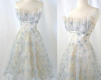 1950s White Strapless Prom Dress, Embroidered Flowers, Tulle Skirt