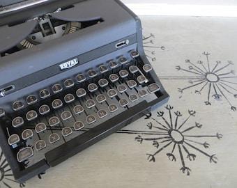 Vintage Royal Quiet Deluxe Typewriter Typewriter Black and Grey  Typewriter Working Typewriter Portable Typewriter