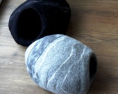 Cat House Cat bed, Cat cave,  wool Felted Light grey