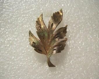 Vintage Designer Signed Brushed Gold Tone Leaf Brooch Pin JJ
