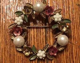 Vintage Floral Wreath Brooch