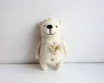 Needle felted White Bear brooch / Polar bear / Embroidery flowers / Flower girl gift / Gift for kids / Eco friendly jewerly / Made with love