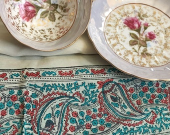 Vintage Sari Tarot Spread Cloth FREE SHIPPING - reclaimed silk, genuine silk spread cloth, retro fabric