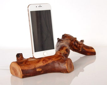 iPhone Rustic Dock - iPhone 6 / 6 Plus / 6S / 6S Plus / 7 / 7 Plus compatible - handmade