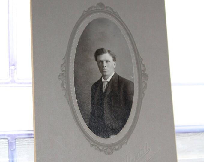 Edwardian Man Cabinet Card Photograph Antique 1800s