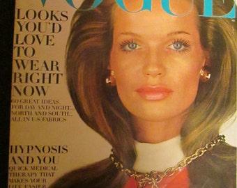 January 1969 VOGUE Fashion MAGAZINE