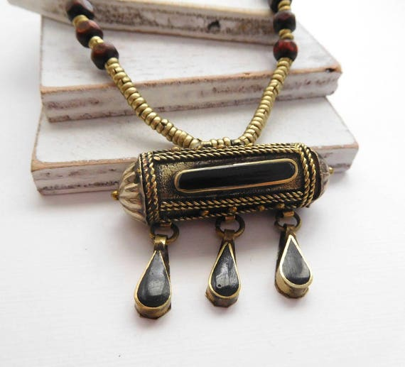 Vintage Tibetan Silver Onyx Inlay Gau Prayer Box Canister Pendant Necklace U47
