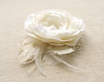 Ivory Wedding Hair Flower, Rustic Bridal Hair Flower, Wedding Hairpiece, Bridal Head Piece, Wedding Hair Accessory, Ranunculus Hair Clip