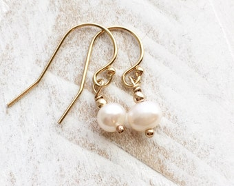 Pearl Earrings, Wedding Earrings, Classic Pearl Earrings, Everyday Jewelry, Able In 14K Gold Filled, Sterling Silver and Rose Gold Filled
