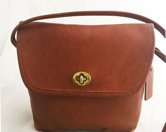 Coach - British Tan Leather Quincy Bag over the shoulder turn lock hardware coach 9919