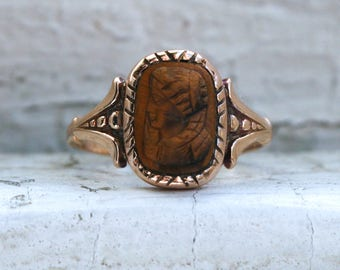 Lovely Vintage 10K Yellow Gold Tiger's Eye Cameo Ring.