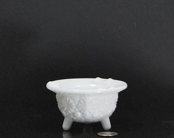Vintage Fenton Milk Glass Small Ashtray, Daisy & Button Kettle Footed Ashtray, White Glass, White Ashtray, Trinket Dish, Fenton Ashtray