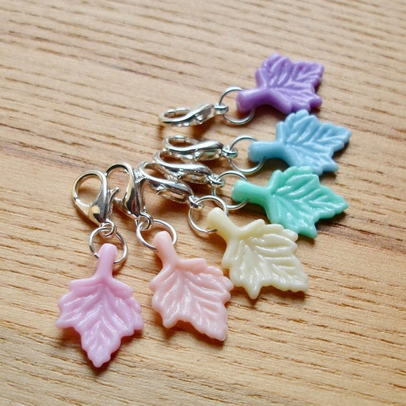 Snag Free Rainbow Leaf Crochet Stitch Marker Set of 6 - Crochet Tools - Gift for Crocheters - Cute Stitch Markers, Gift for Nature Lover