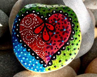 boho free spirit / painted rocks / painted stones  / rock hearts / heart stones / rock art / paperweights / heart of stone / rocks / stones