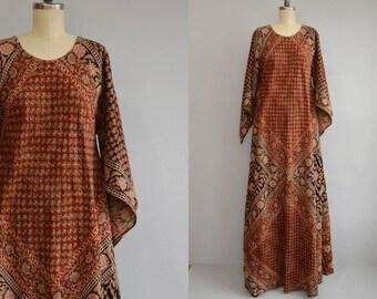Vintage 70s Maxi Dress /  1970s Ethnic India Cotton Block Print Floor Length Caftan Festival Dress / Red Black Bias Cut