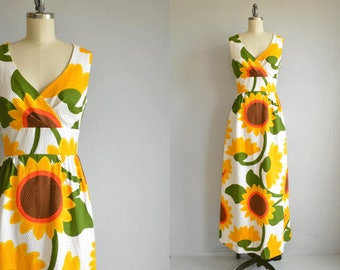 Vintage 70s Malia Maxi Dress /  1970s Mod Sunflower Floral Print Long Luau Halter Sundress / Made in Hawaii