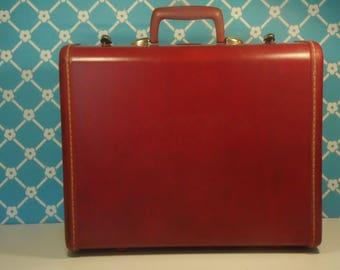 Mid Century Samsonite Suitcase - 4916 - Schwayder